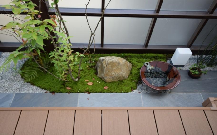 小さな和の庭